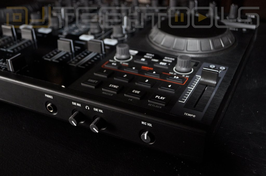 traktor s4 hook up Traktor kontrol s4 mk2 + free chroma caps ctc akai lpd8 remix deck control c & d this still allows you to control up to 32 samples per remix deck.